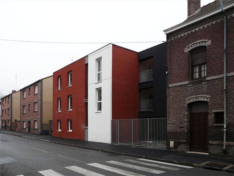 Bâtiment A depuis la rue de la gare de Marly